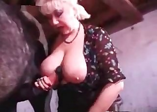 Blonde whore really loves the cocks of the horses